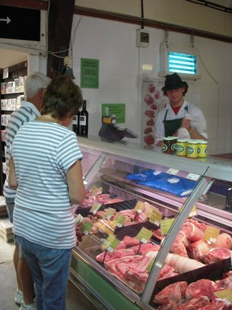 Ben's Organic Farm Shop and Cafe: Great cooking tips and advice from our professional butchers