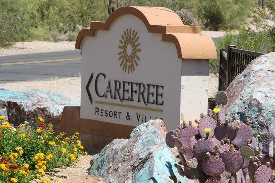 Carefree Resort: entrance