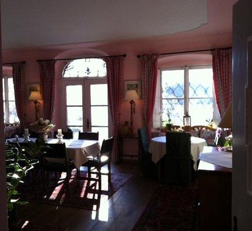 Villa Mellon:                   sala da pranzo/colazione
