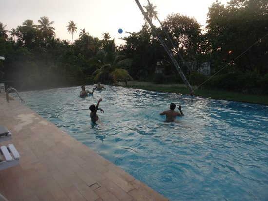 Abad Turtle Beach:                   The pool