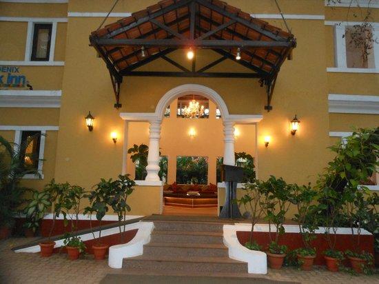 Phoenix Park Inn Resort:                   Entrance to the hotel into reception.