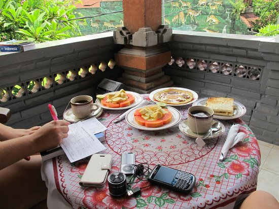 Kori Bali Inn:                   Breakfast