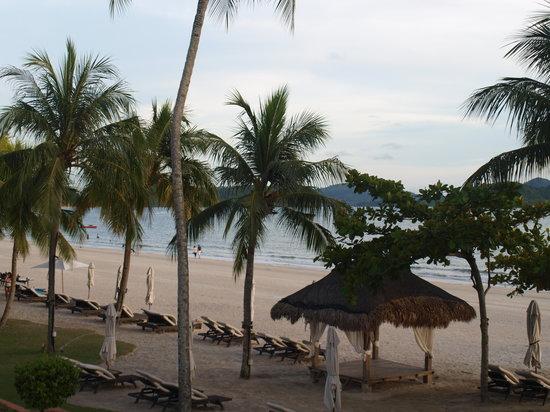 Casa del Mar, Langkawi:                   Пляж с балкона номера