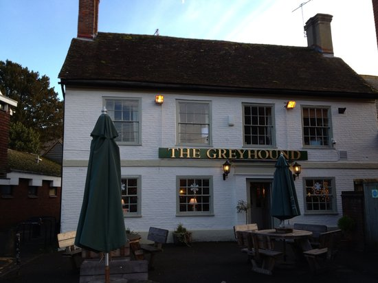 Wilton, UK : The Greyhound Inn