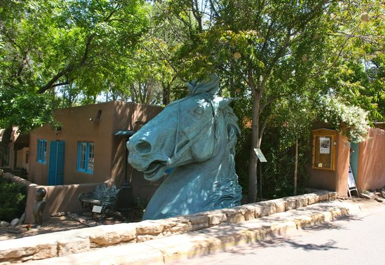 Santa Fe Sage Inn: Nice around the hotel
