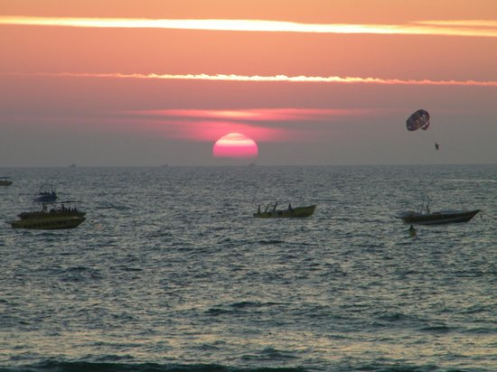 Chalston Beach Resort: sunset from the resturant