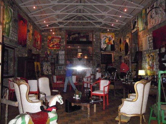 Le Cafe des Arts:                                     intérieur Restaurant