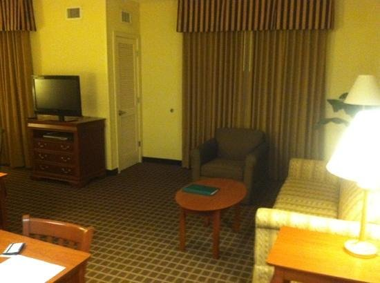 Homewood Suites by Hilton Columbia: living area