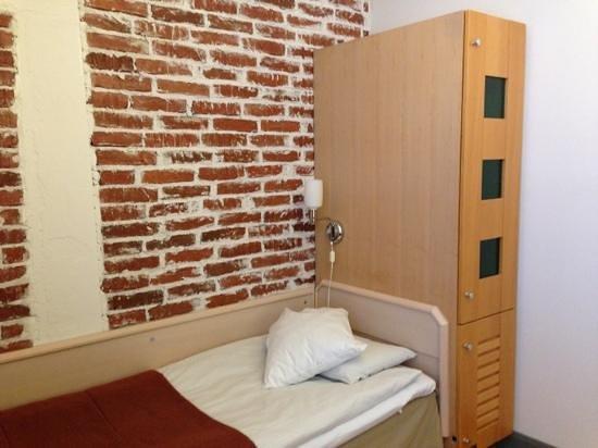 Hotelli Ville:                   Einzelzimmer (nicht economy)
