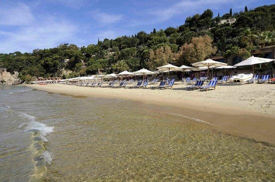 Aeneas' Landing: vista dal mare della spiaggia Aeneas'