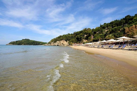 Aeneas' Landing: vista della bellissima spiaggia dorata aeneas'
