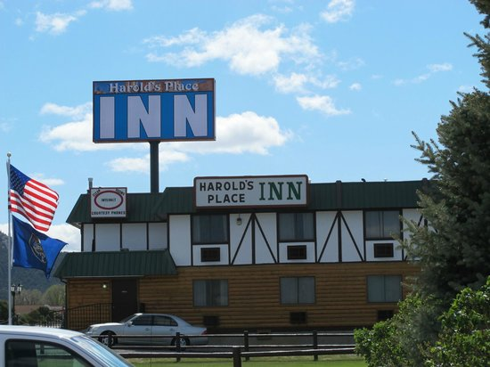 Harold's Place Inn: Nice place, easy to spot