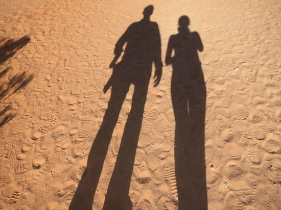 Lake Powell Resort: Long tall shadows