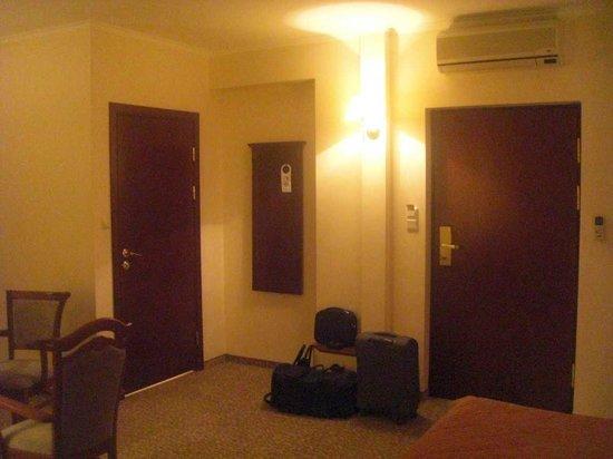 Hotel Stare Miasto:                   просторный номер