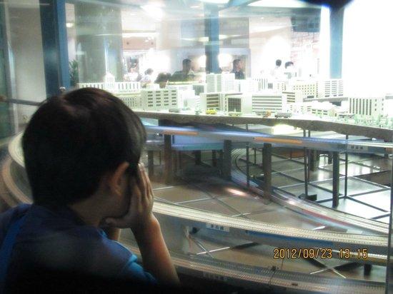 Subway Museum:                   ジオラマが動き出すと釘づけ・・・