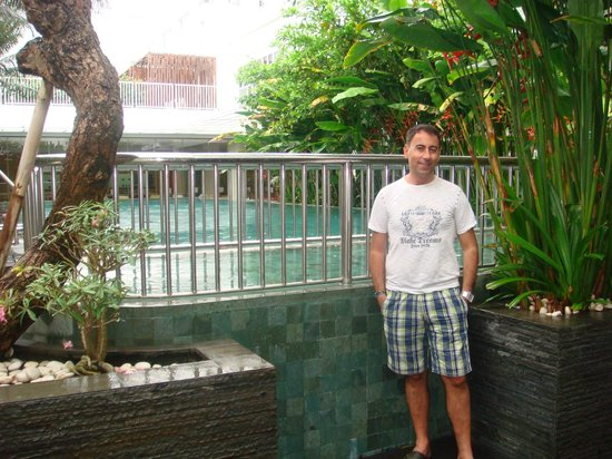 Mercure Bali Harvestland Kuta: at the pool