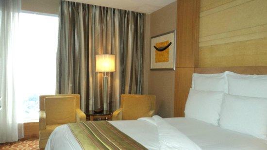 JW Marriott Hotel Medan: The living room