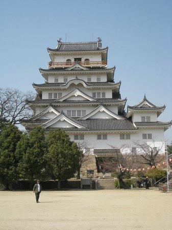 Vessel Inn Fukuyamaeki Kitaguchi:                   kasteel naast het hotel