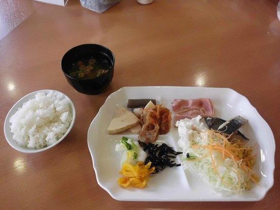 Vessel Inn Fukuyamaeki Kitaguchi:                   gratis ontbijt