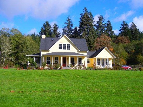 The Inn At Crippen Creek Farm: The Inn