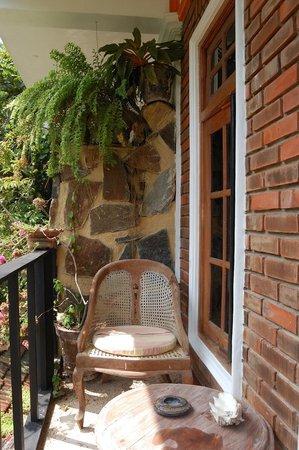 Heaven on Earth Guesthouse: balcony