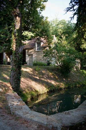 Le Moulin du Mesnil: The suite overlooking the stream