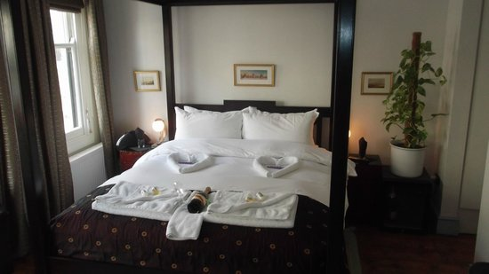 The Griffin Guest House:                   Room 4-with the most comfortable four poster bed