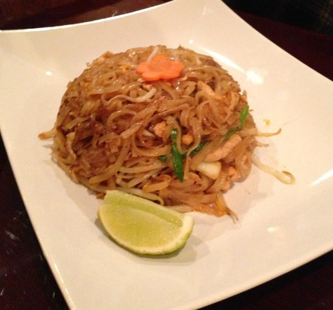 Siam Thai Restaurant:                   Pad Thai