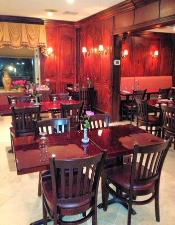 Siam Thai Restaurant:                   Inside Siam Thai