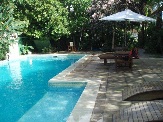 Aquarela Praia:                   A piscina