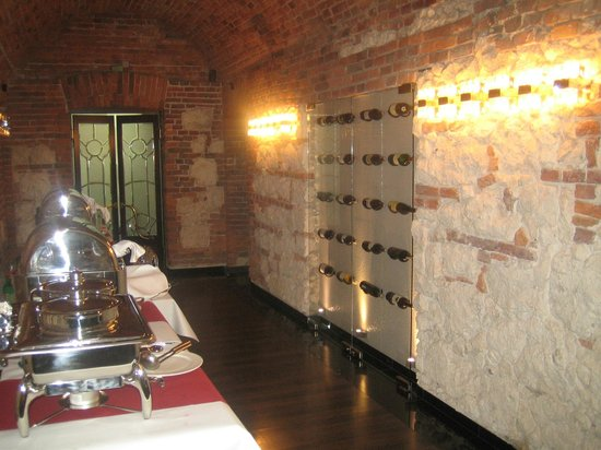Queen Boutique Hotel:                   Basement restaurant