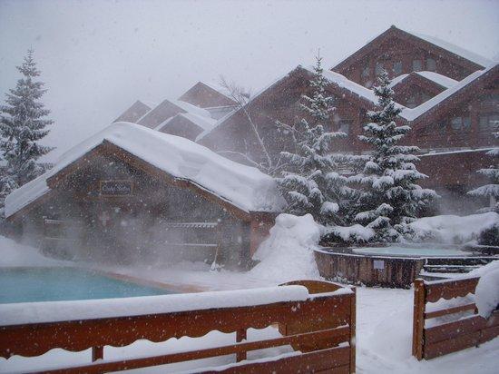 Hotel L'Eterlou:                   Pool and sauna area
