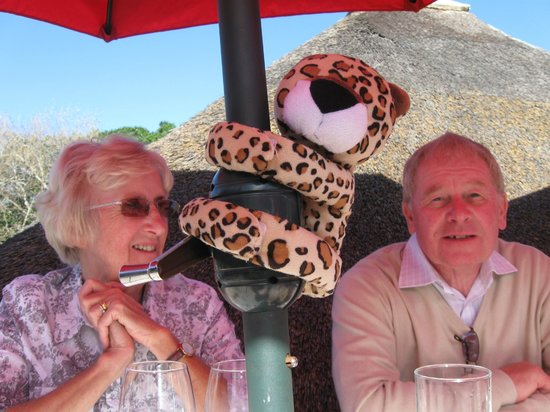 Flava Cafe & restaurant: Grandad and Nanna with some wildlife
