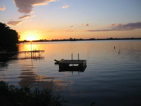 Dice's Island View Resort: Resort Sunset