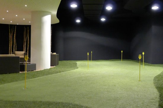 Interalpen-Hotel Tyrol - indoor putting green - Picture of ...