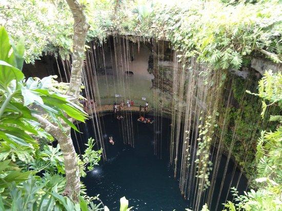 Cenote Ikil: ...