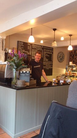 Cwtch Cafe:                   Warm welsh welcome at the Cwtch