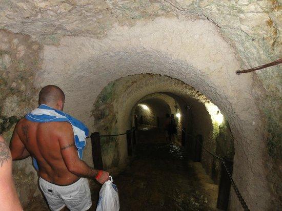 Cenote Ikil: si scende