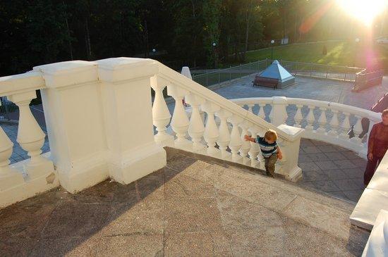 Residence Hotel & SPA:                   Парадная лестница