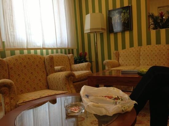 Regencia Colon Hotel:                   receptie