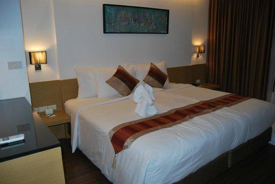 โรงแรมซิตี้พอยท์: King size bed