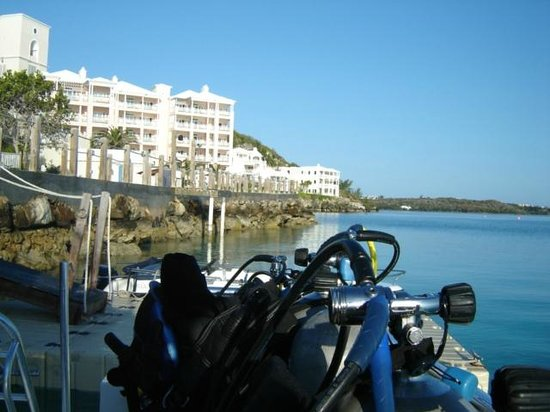 Tucker's Point Dive and Water Sports Centre :                   View off the stern at the dive shop