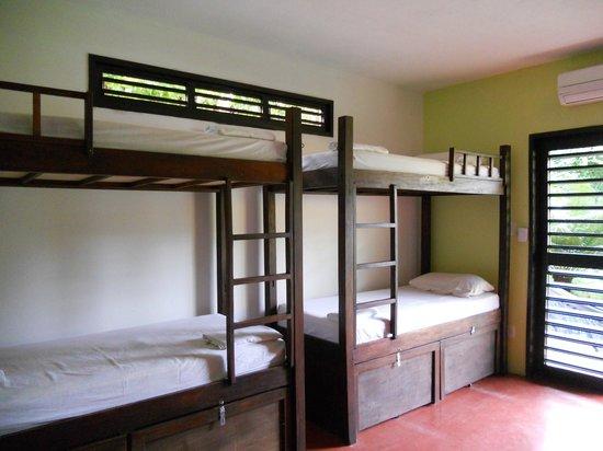 Pipa Hostel: Quarto Coletivo/ Dorms/ Habitaciones Compartidas