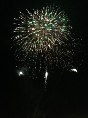 Sofitel Philippine Plaza Manila: Chinese New Year Fireworks from our room balcony