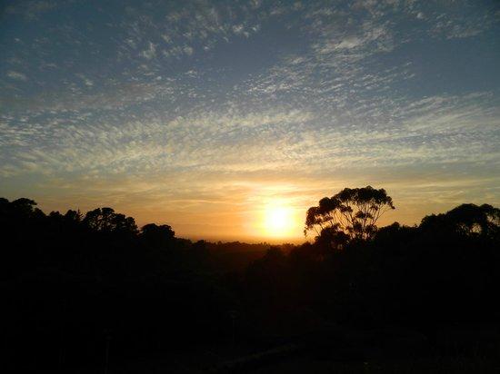 Ikhaya Safari Lodge:                   sunrise view from the room
