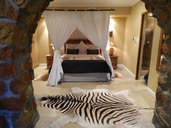 Ikhaya Safari Lodge:                   umhlaba room