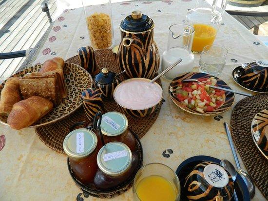 Ikhaya Safari Lodge:                   breakfast...just to start