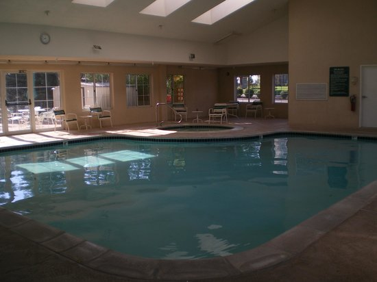 La Quinta Inn & Suites Denver Airport DIA: Pool area