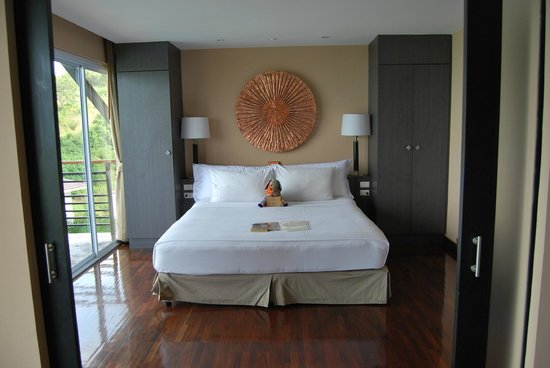 Mantra Samui Resort:                   Cozy bedroom