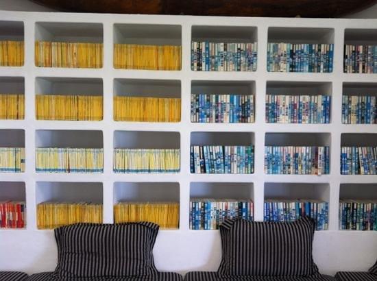 Apa Villa Thalpe : very nice library